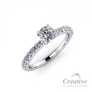 Luxusní zásnubní prsten s diamanty