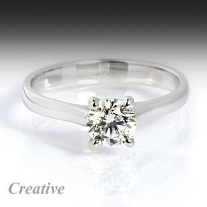 Luxusní zásnubní prsten se zirkonem
